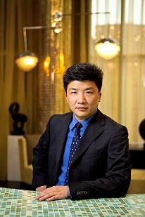 集团副总经理王强